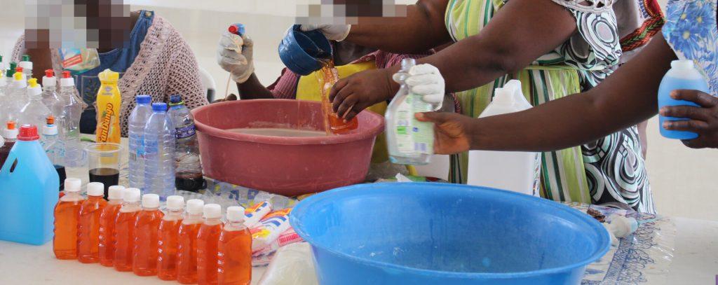 saat produksi sabun